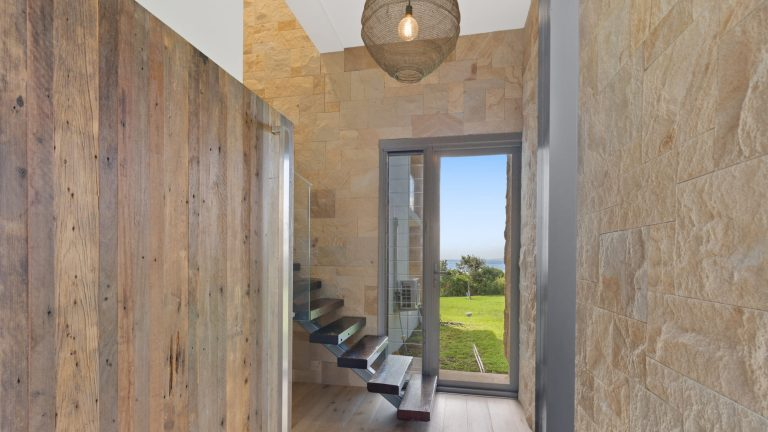 queensland residence sandstone walling