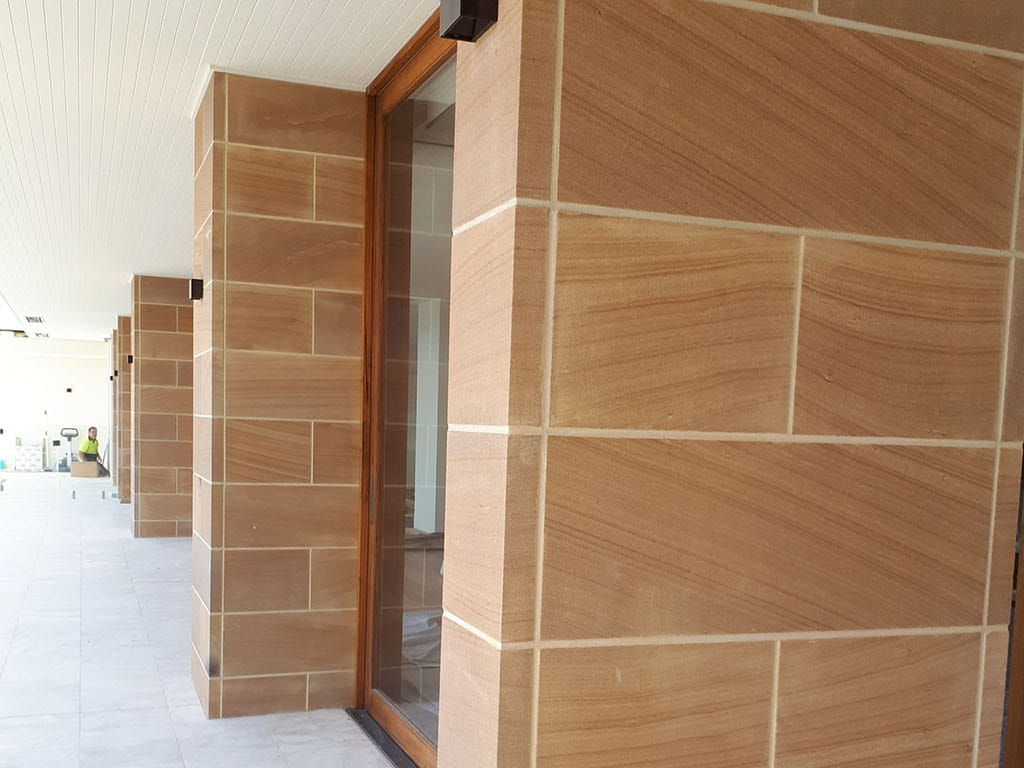 bellevue hill sandstone sawn wall